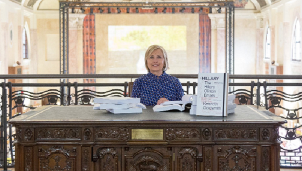 Hillary Clinton reads printouts of her own emails at art exhibit in Venice